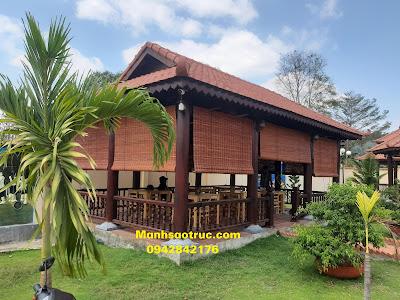 Mành tre trúc che mưa cản nắng nhà gỗ