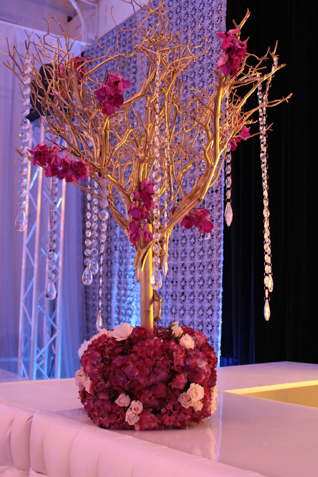 Gold Tree Branch Centerpiece | New House Designs