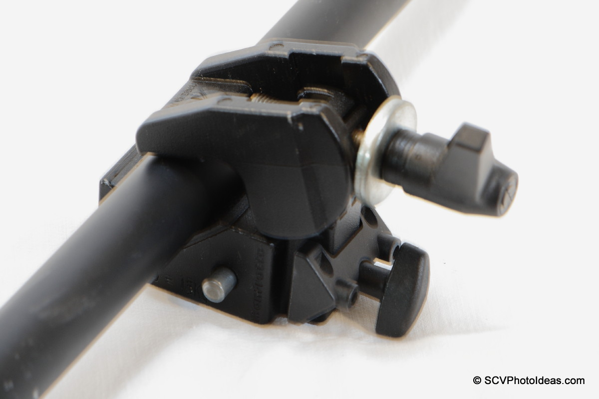 Manfrotto Super Clamp 35 clamped on tube