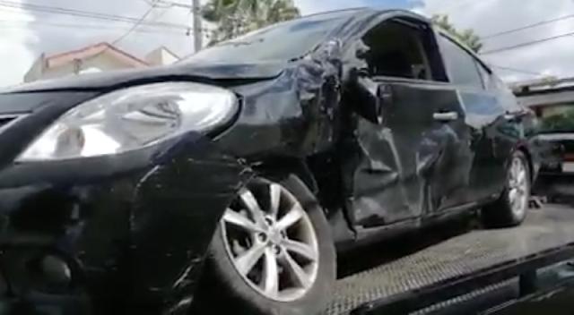 Chofer del gobernador se vuela el alto y choca contra un automóvil. Captura de pantalla vídeo Héctor Rubén