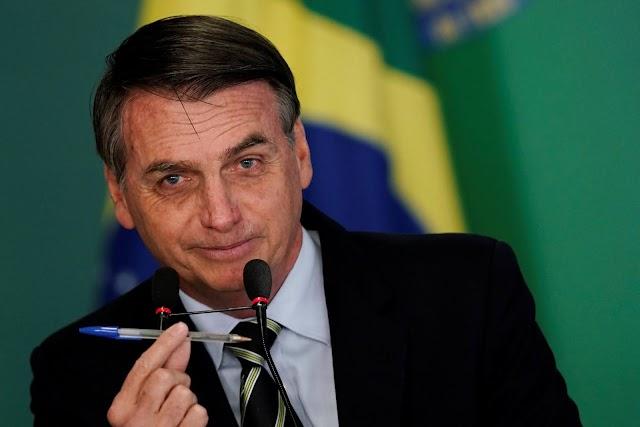 Bolsonaro assina decreto que obriga postos mostrarem impostos cobrados pelos combustíveis