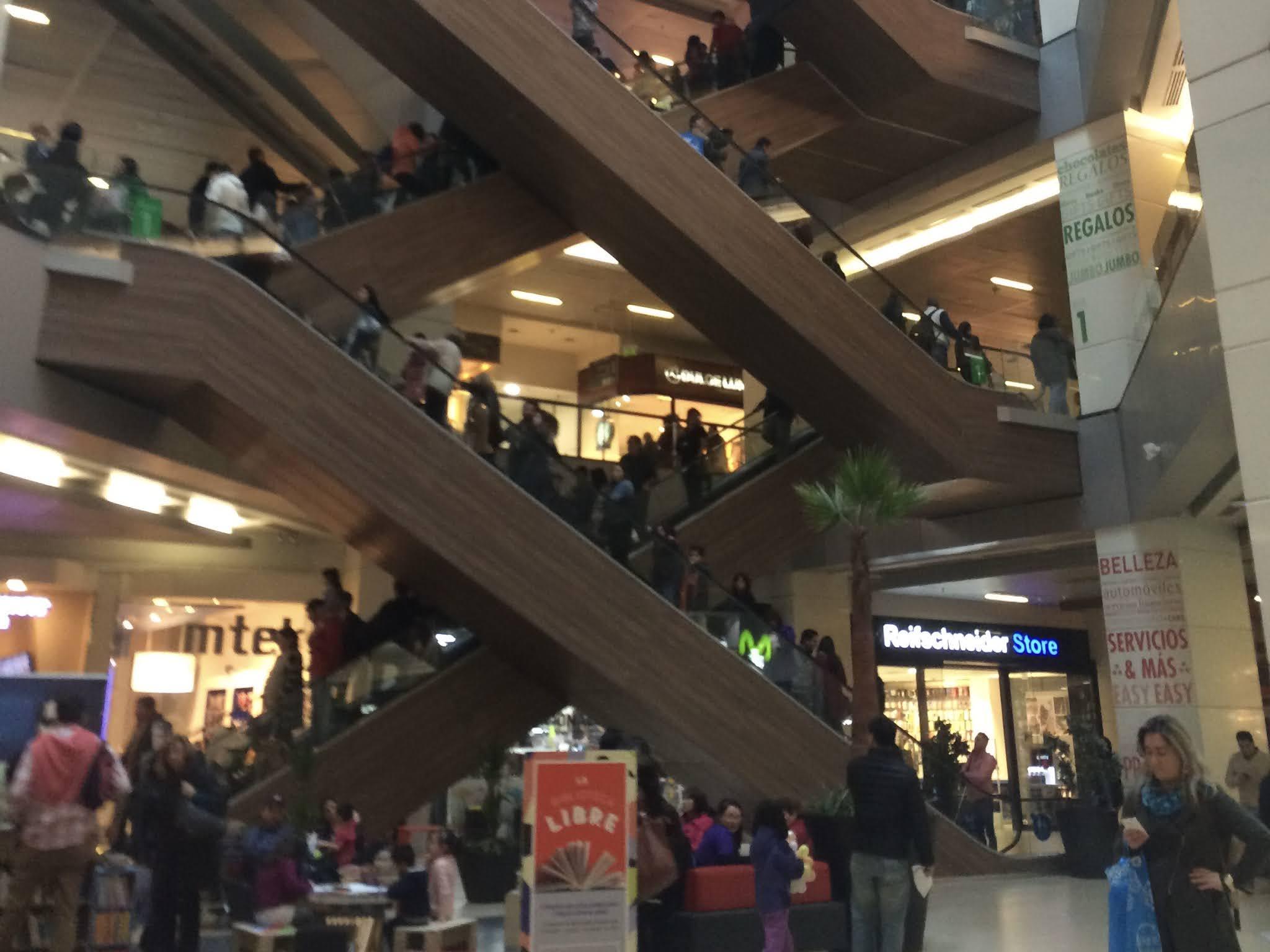Escadas rolantes Costanera center