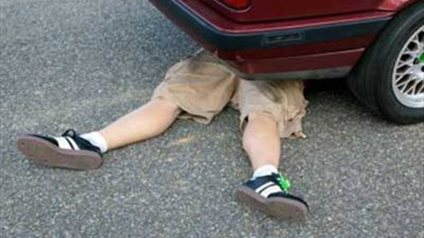 """بعد فاجعة احتراق """"هبة"""".. سيارة تدهس طفلا بسيدي علال البحراوي وسط حديث عن """"تأخر"""" الإسعاف"""