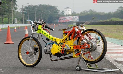 31 Modifikasi Supra Drag Bike Inspirasi Terkini