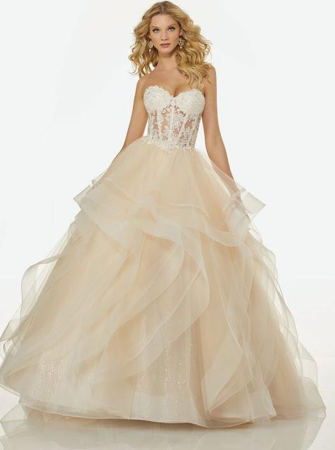 Randy Fenoli Style with ivory color wedding dress