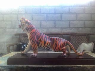 patung harimau loreng