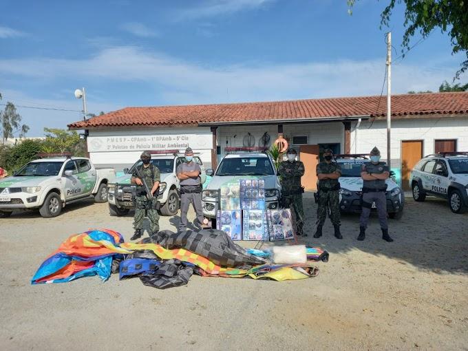 POLÍCIA MILITAR AMBIENTAL DESCOBRE FÁBRICA DE FOGOS CLANDESTINA E APREENDE ARTEFATOS E BALÃO EM ITAQUAQUECETUBA
