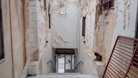 Φιλιάτες: Ερείπιο το παλιό Δημαρχείο
