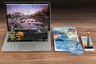 Cara Mengatasi Laptop Yang Terkena Cairan - Anda kesulitan mencari cara agar laptop anda terselamatkan akibat terkena cairan? anda tidak salah mengunjungi blog ini, pada artikel berikut ini akan kami ajarkan kepada anda mencegah laptop anda mengalami kerusakan setelah anda atau adik anda menumpahkan cairan diatas laptop anda. Perlu diingat bahwa meskipun informasi berikut ini adalah cara terbaik untuk menangani tumpahan sendiri, tidak ada jaminan bahwa laptop anda akan selamat, jika cara dibawah ini sudah anda coba dan tidak berguna sama sekali maka  solusi terakhir adalah membawa laptop anda ke tempat service yang berpengalaman.   Berikut akan kami ulas Cara Mengatasi Laptop Yang Terkena Cairan