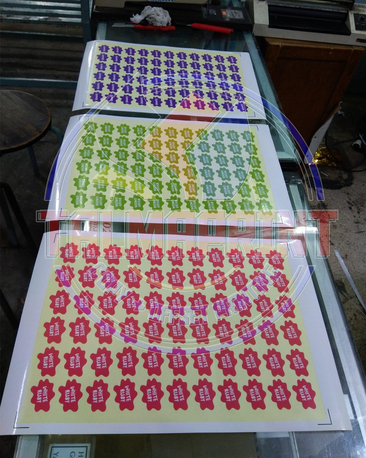 https://www.offsetprinting21.com/2019/01/jasa-cetak-stiker-vinyil-di-jakarta.html
