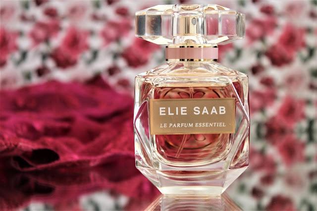 La Parfum Essentiel Elie Saab avis, nouveau parfum femme elie saab, avis le parfum essentiel elie saab, le parfum elie saab, avis le parfum elie saab, parfums elie saab, fragrance, elie saab perfumes, parfum femme fleur d'oranger