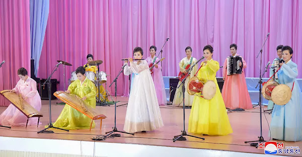 (2) DPRK women's union art groups performance