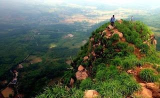 Wisata Gunung Batu