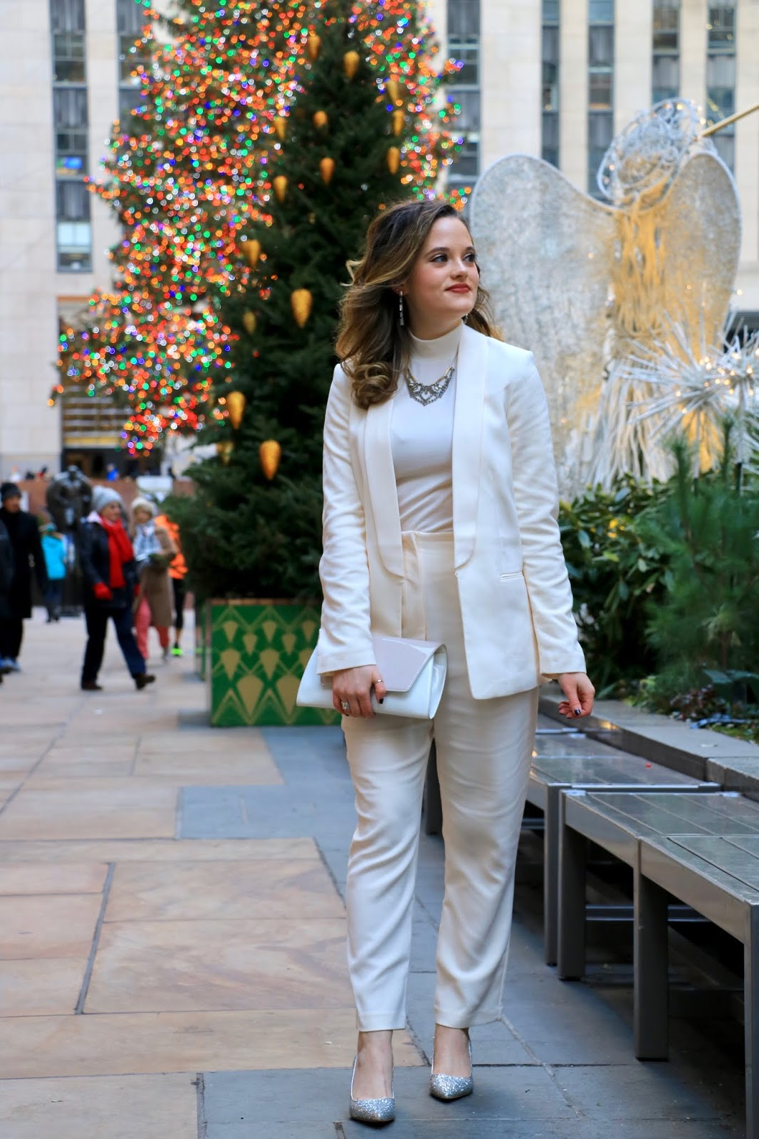 Nyc fashion blogger Kathleen Harper's holiday photo shoot locations in New York.