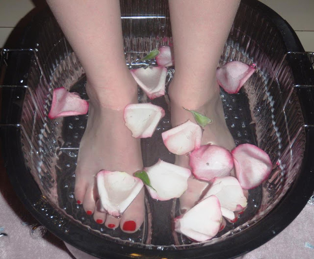 clean foot bath
