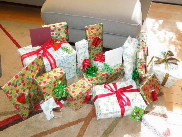 Giftwrapped Christmas presents 2013