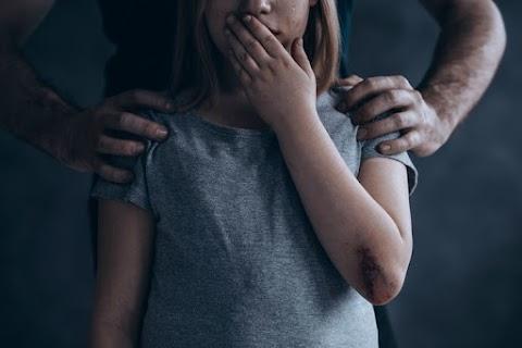 Lengyelországban szigorították a pedofília büntethetőségét
