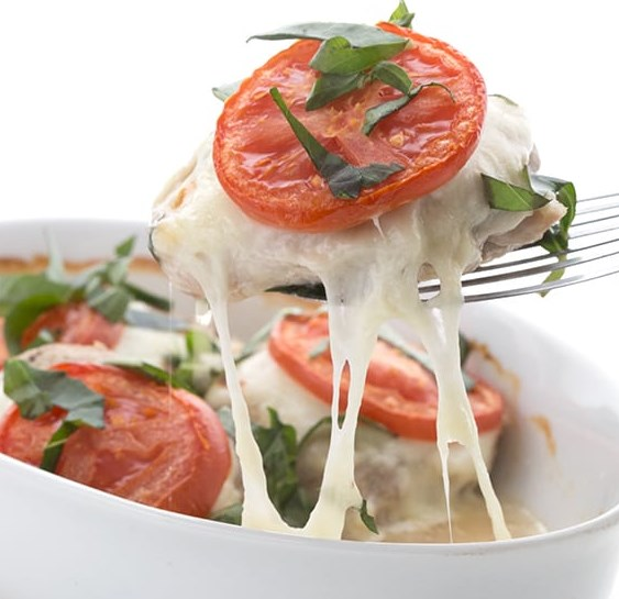 EASY CAPRESE CHICKEN – EASY KETO RECIPE #ketodinner #lowcarb