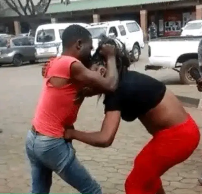Man Fight a Lady For Stealing His Phone, After Sleeping With Her Over Night Without Paying (Video below)