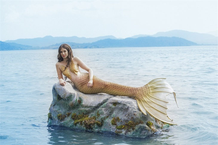 Deren Talu deniz kızı oldu!