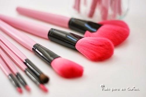 Especial: Outubro Rosa; pinceis rosa