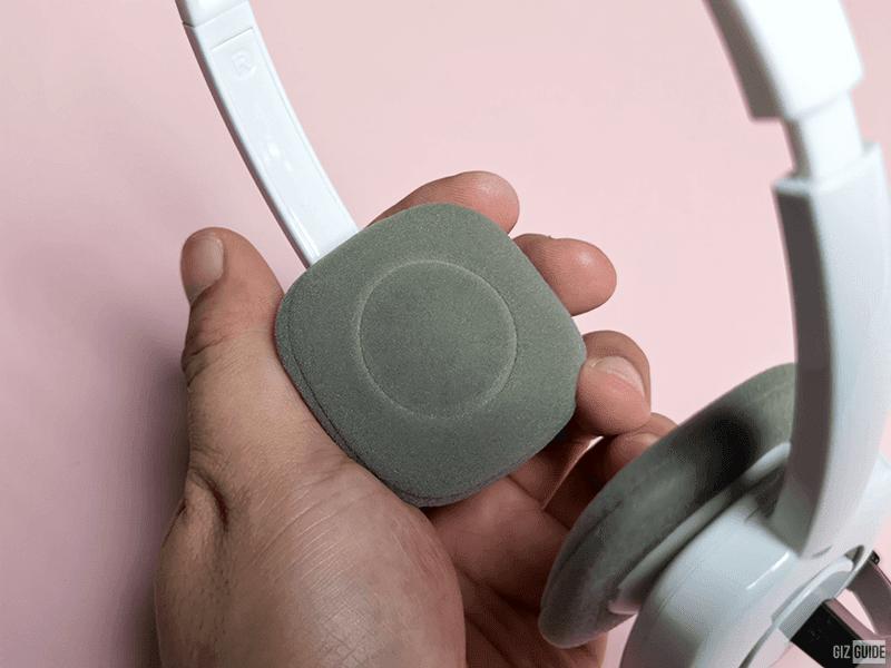 Soft sponge ear pads for comfort