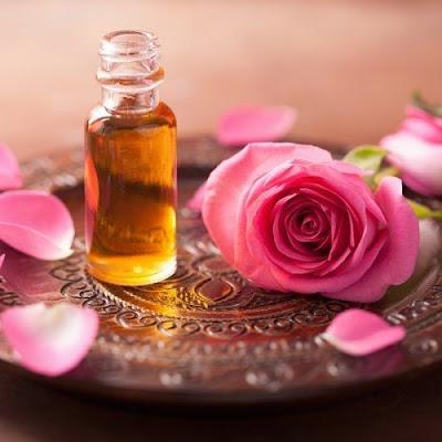 Óleo essencial de rosas para animais