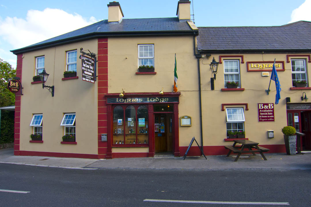 ... Dublin: Legless In The Country: Logues Lodge, Ballyvaughan, Co. Clare