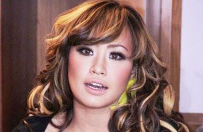 Biografi Pinkan Mambo Diskografi Artis Penyanyi Model