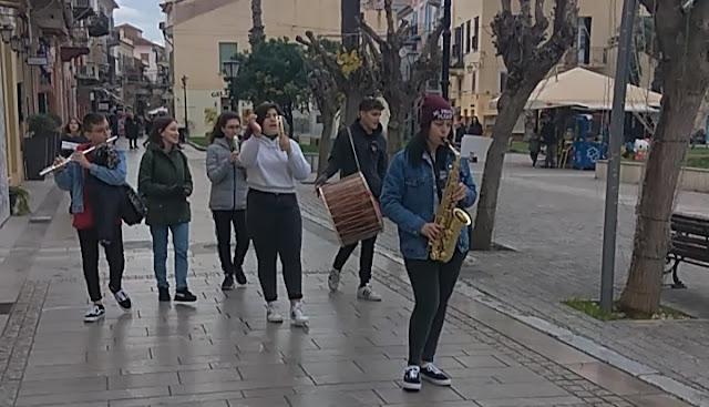 Τα πιο μελωδικά κάλαντα των Φώτων στο Ναύπλιο (βίντεο)
