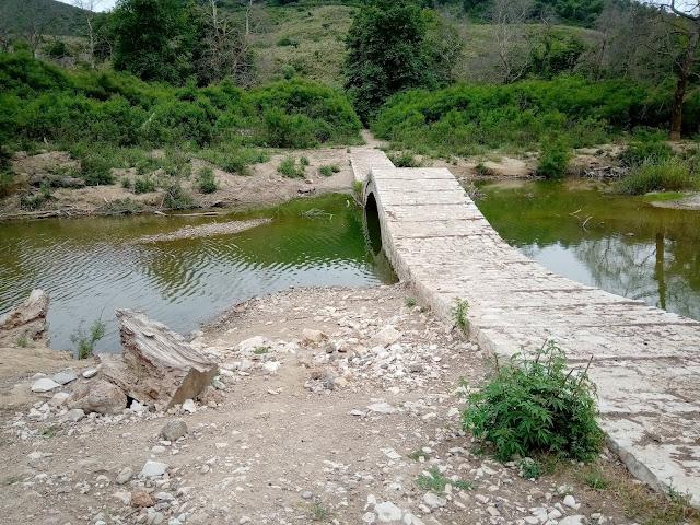 Θεσπρωτία: Η πέτρινη γέφυρα του Καλαμά στο Ράγιο (ΦΩΤΟ)