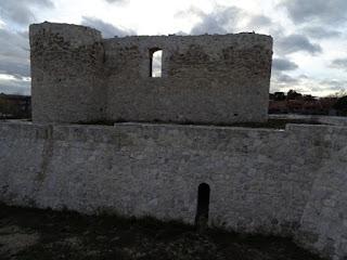 Comunicación del foso con el interior del castillo