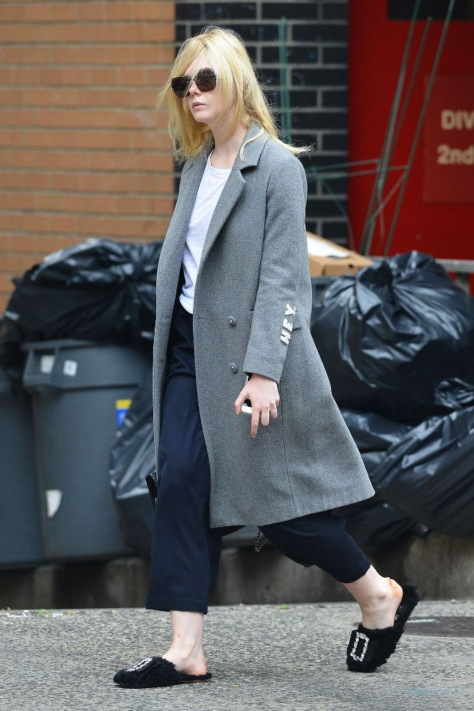Elle Fanning Street Style Out In Nyc Celebs Style Fashion