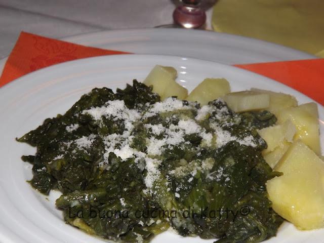 La buona cucina di katty spinaci 4 salti in padella fatti for Cucinare 4 salti in padella