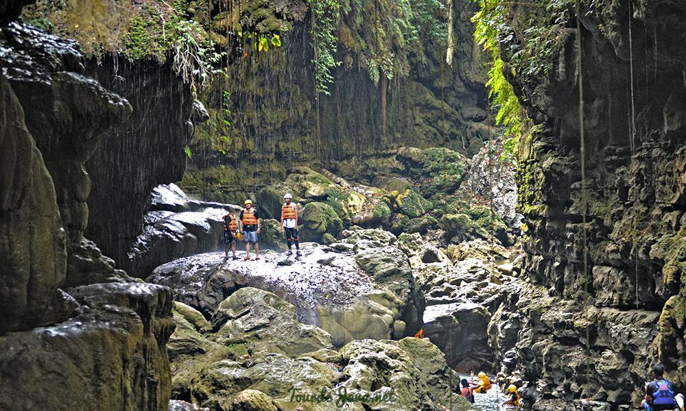 paket wisata body rafting green canyon cukang taneuh pangandaran