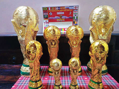 Replicas of FIFA World Cup which would be awarded to the quiz contest winners