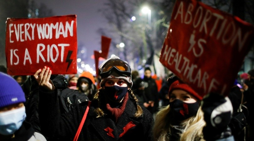 Polonia adopta una prohibición casi total del aborto