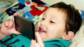 Bahaya Gadget untuk anak