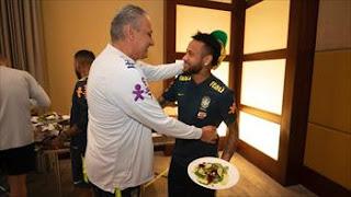 مدرب البرازيل نيمار ضمن أفضل 3 لاعبين في العالم