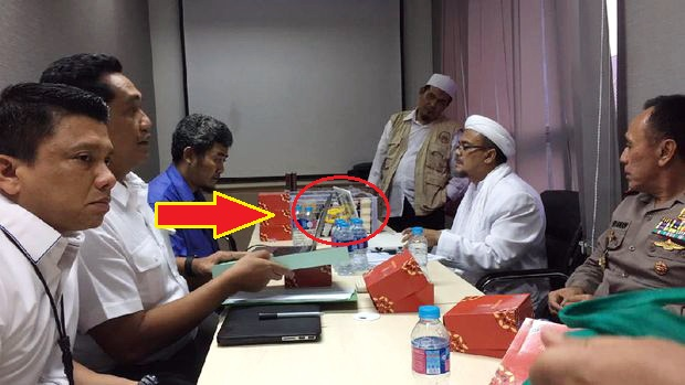 Koki Hotel Bintang 5 Di Makkah Ungkap Penyuapan Habib Rizieq, Jumlahnya Mencapai Trilyunan Rupiah