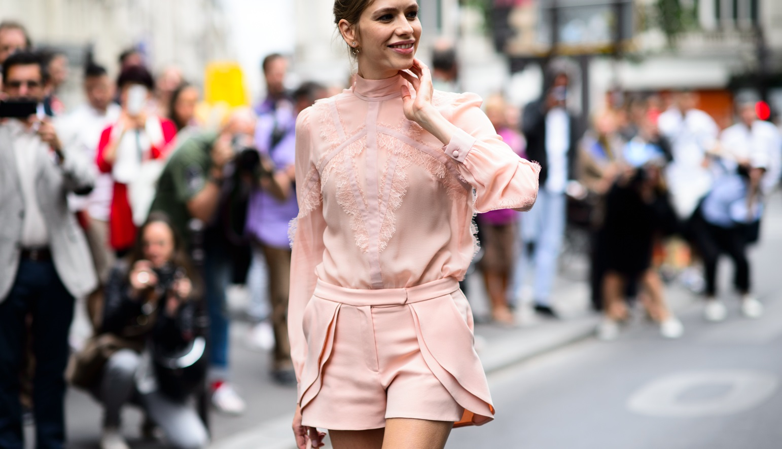 Add color to your outfit: PINK