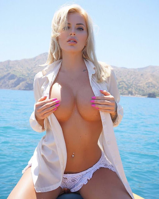 Jessica weaver naked on the boat