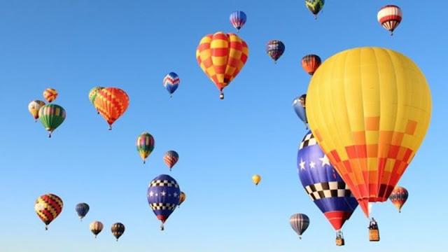Εκατοντάδες αερόστατα γέμισαν τον ουρανό στο Νέο Μεξικό (βίντεο)
