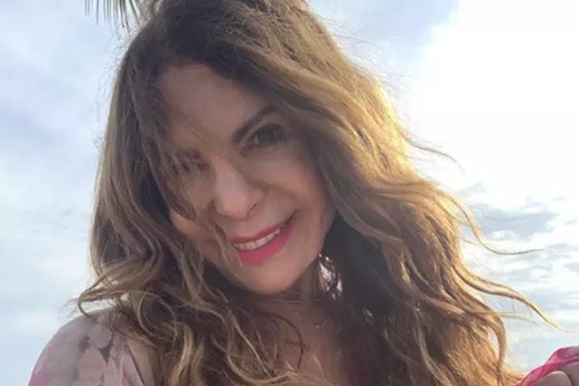 Elba Ramalho se irrita com crítica e dá invertida em seguidor