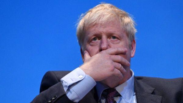 Boris Johnson se mantiene estable y sin presentar neumonía