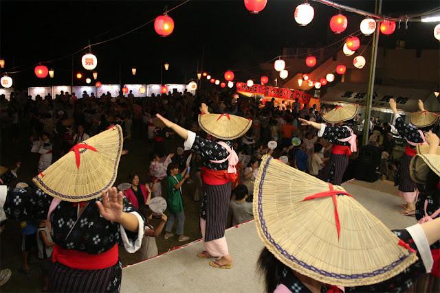 Sunadoribushi Odori (ritual dance), Suzu City, Ishikawa Pref.