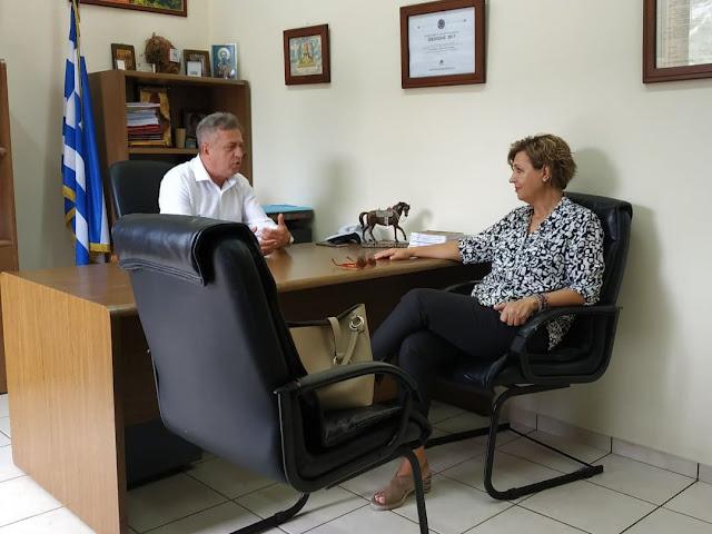 Στην Άνω Καλεντίνη η Όλγα Γεροβασίλη – Συνάντηση με δήμαρχο Γ. Καραϊσκάκη, επίσκεψη σε Αστυνομικό Τμήμα και Κέντρο Υγείας – ΦΩΤΟ