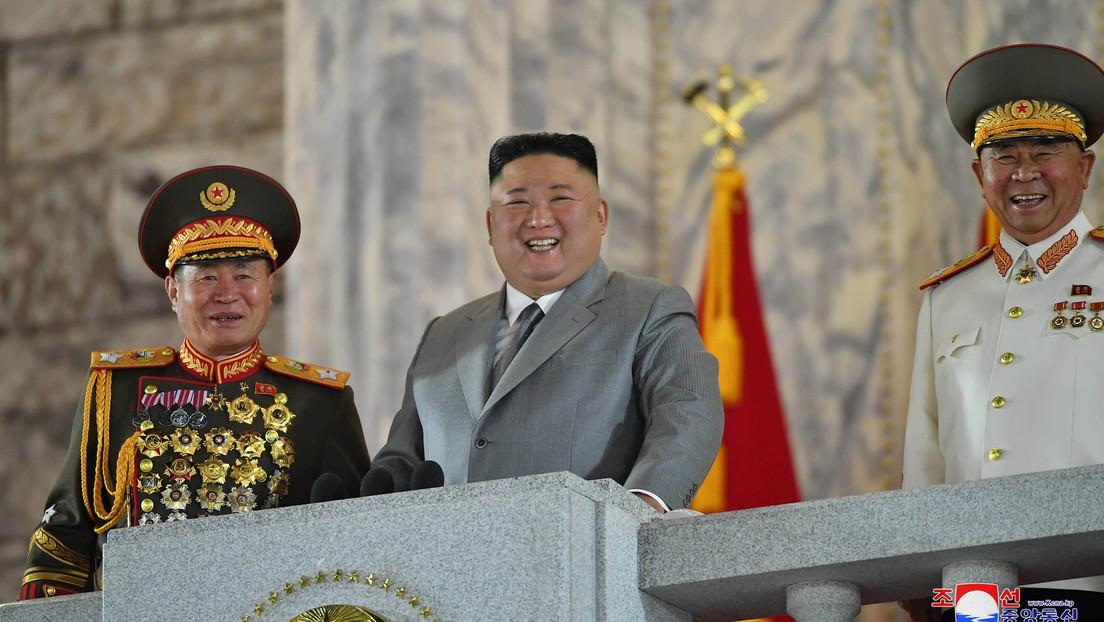 """Kim Jong-un """"está agradecido"""" porque """"ni una sola persona"""" en el país se infectó con coronavirus"""