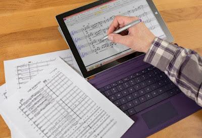 تطبيق StaffPad لتدوين الموسيقى متقدم ، مصمم للقلم واللمس ، ومصمم للملحنين.يتيح لك تطبيق StaffPad أن تكتب الموسيقى