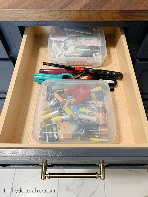 storage bins with lids for small stuff